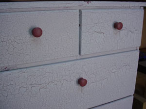 crackle paint finish on chest of drawers